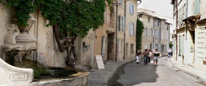 Quelles opportunités offre Saint-Rémy-de-Provence aux campeurs ?